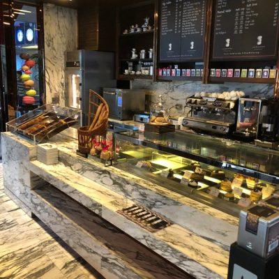 LE MACARON – PARISIAN CAFE
